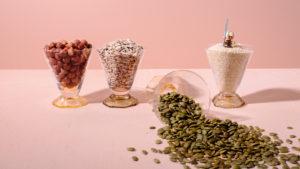 Glas med frö och nötter
